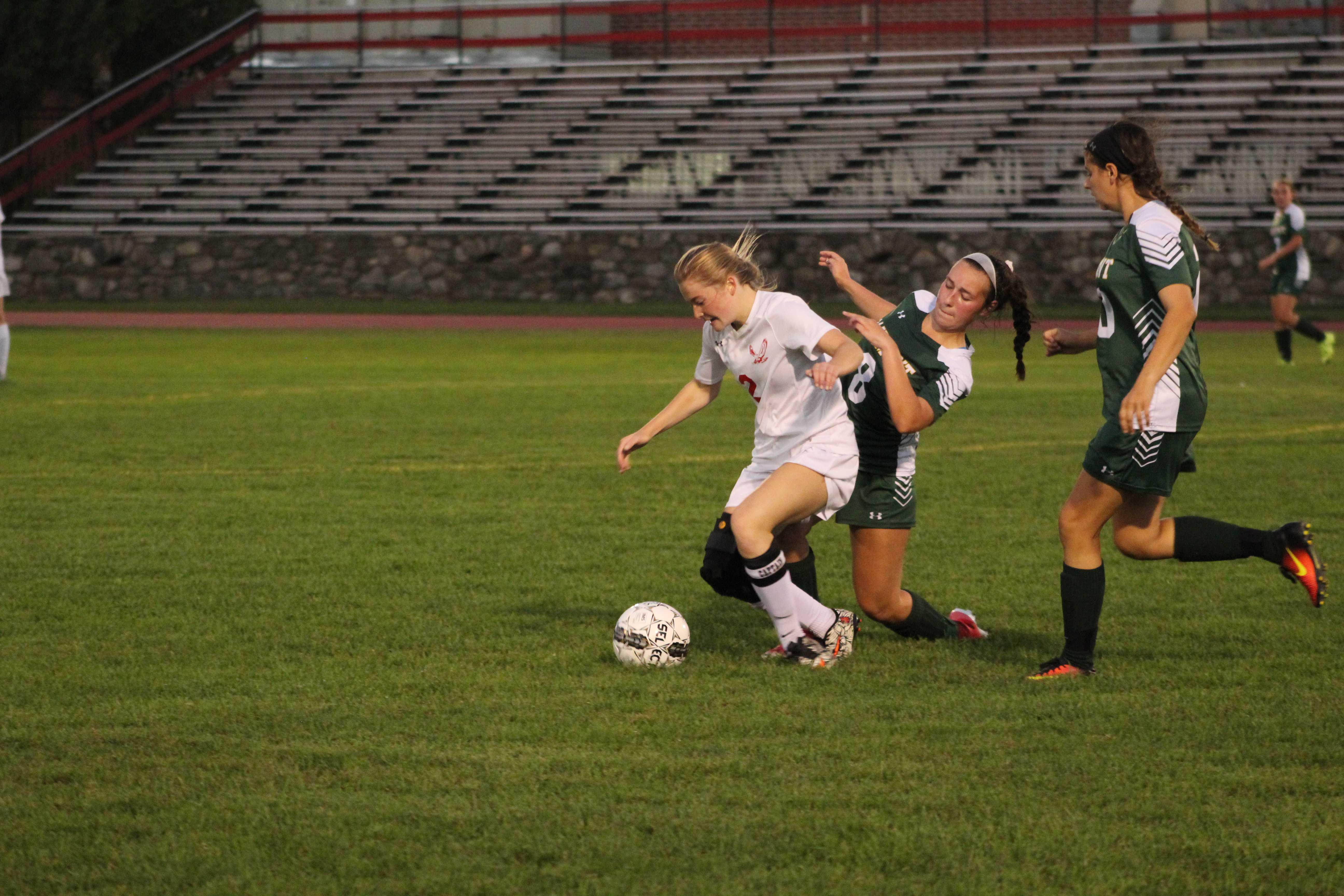 Girls Soccer vs. Oakmont (Gallery)