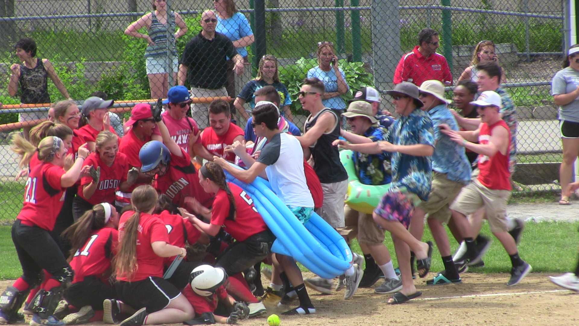 Softball Tops Holy Name on Walk-Off, Advances to Semifinals