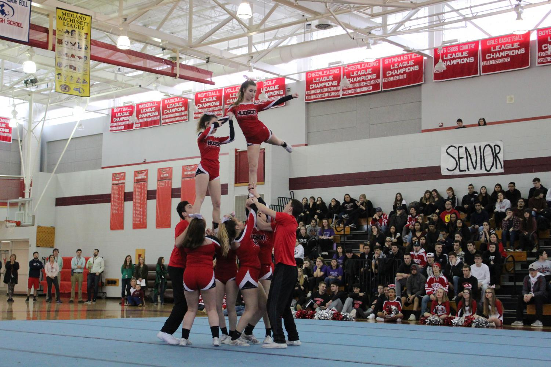 The+cheerleaders+stunt+%7C+by+Veronica+Mildish