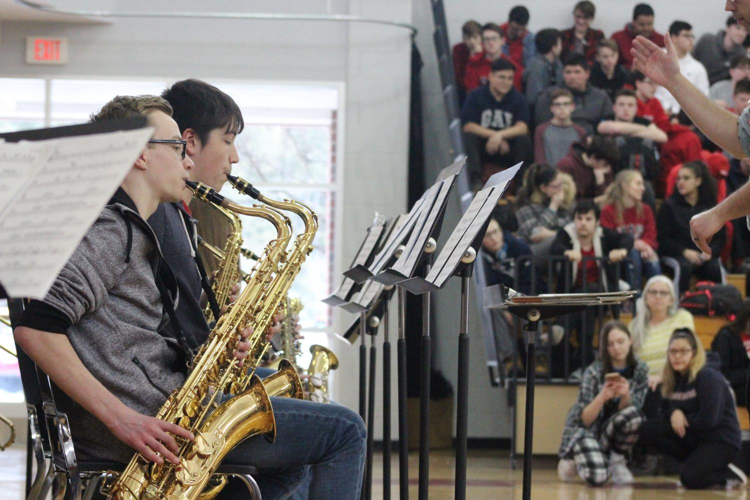 Saxophones+carry+out+the+song+%7Cby+Brianna+Devlin