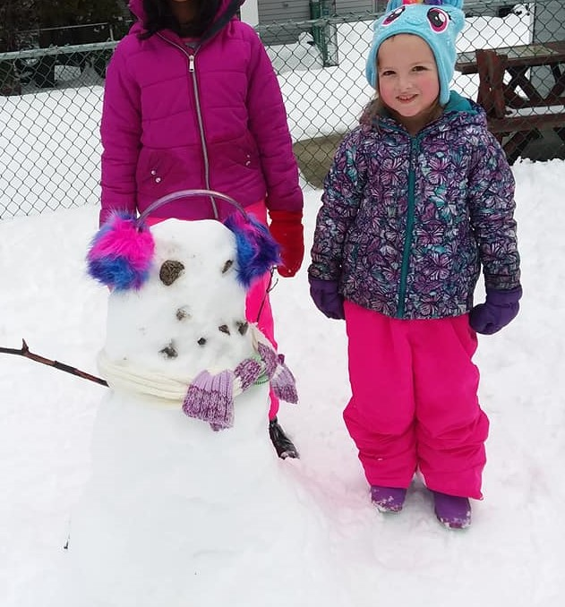 Receptionist+Michelle+Shekleton%27s+daughter+Hannah+with+her+colorful+snowlady.