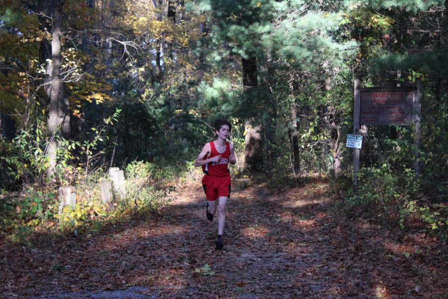 Dan Chaves is one of the fast runners in the team, in the top 3 for the team, Getting a 17:42.